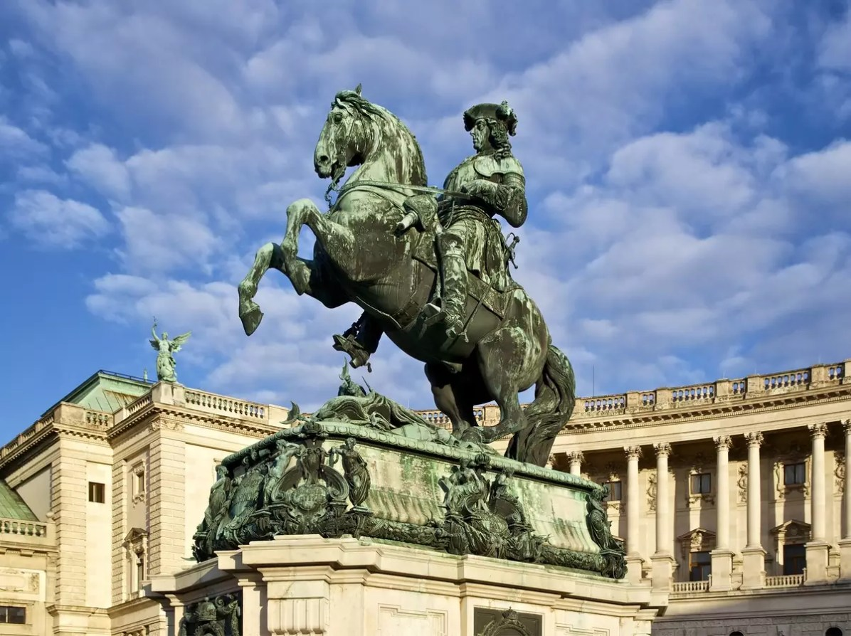 Vienna Travel Blog: Vienna statue - CC0 / Public Domain - Things to do in Vienna