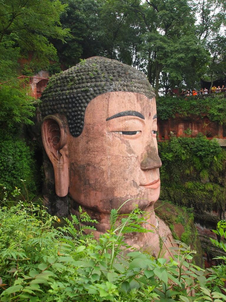 Giant Buddha in Chengdu - CC0 / Public Domain