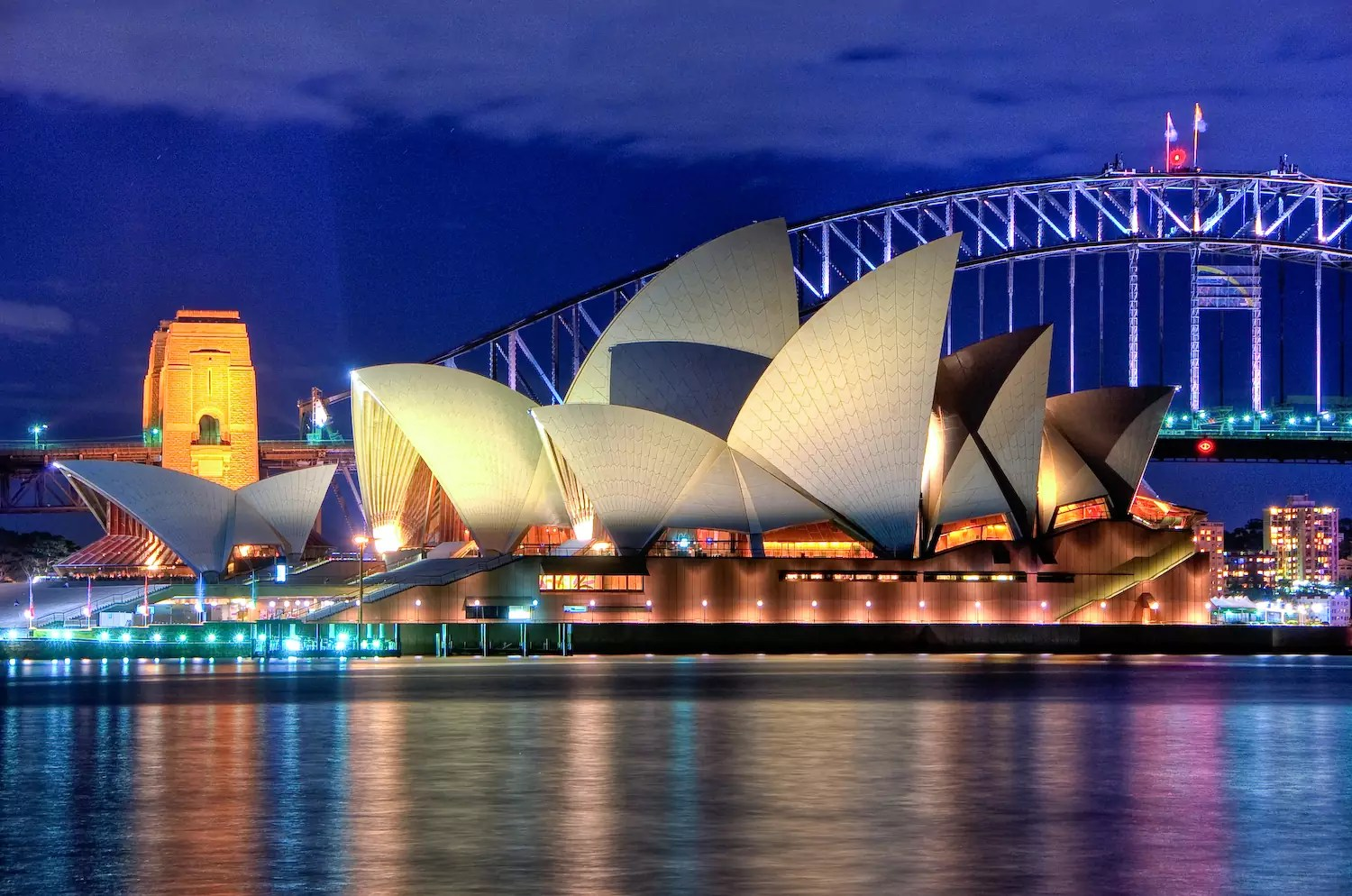 Sydney Opera House - photo by Hai Linh Truong from Sydney, NSW, Australia under CC-BY-2.0