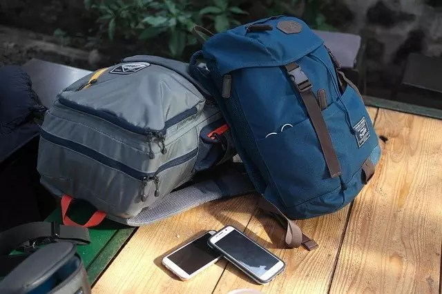 international travel luggage restrictions - travel luggage - photo by Yong_ under Pixabay License