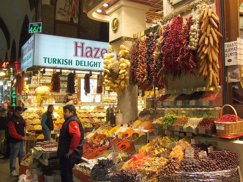 Spices at Mısır Çarşısı - photo by size4riggerboots under CC BY-ND 2.0