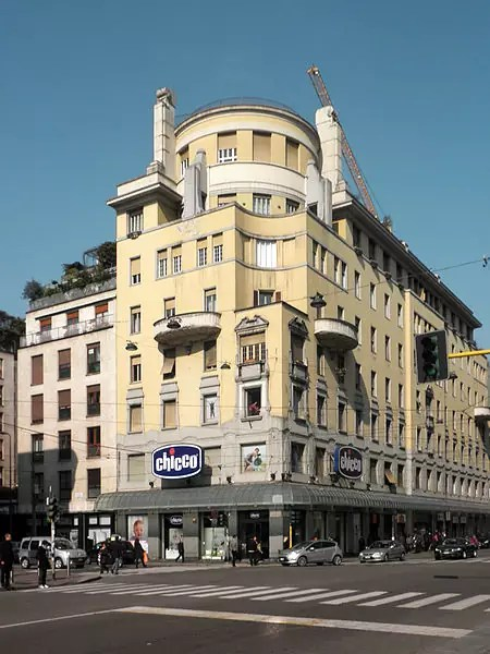 The Chicco shop on Corso Buenos Aires - photo by Arbalete under CC-BY-SA-3.0 and GFDL