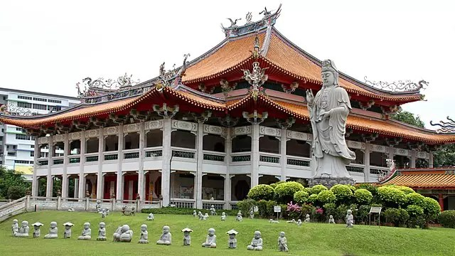 free things to do in Singapore - Kong Meng San Phor Kark See Monastery - photo by Tony Hisgett from Birmingham, UK under CC-BY-2.0