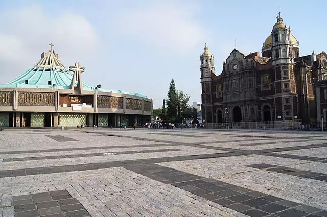 historical sites in mexico city - The Old and New Basílica de Guadalupe - photo by  Sebastian Wallroth under CC-BY-3.0