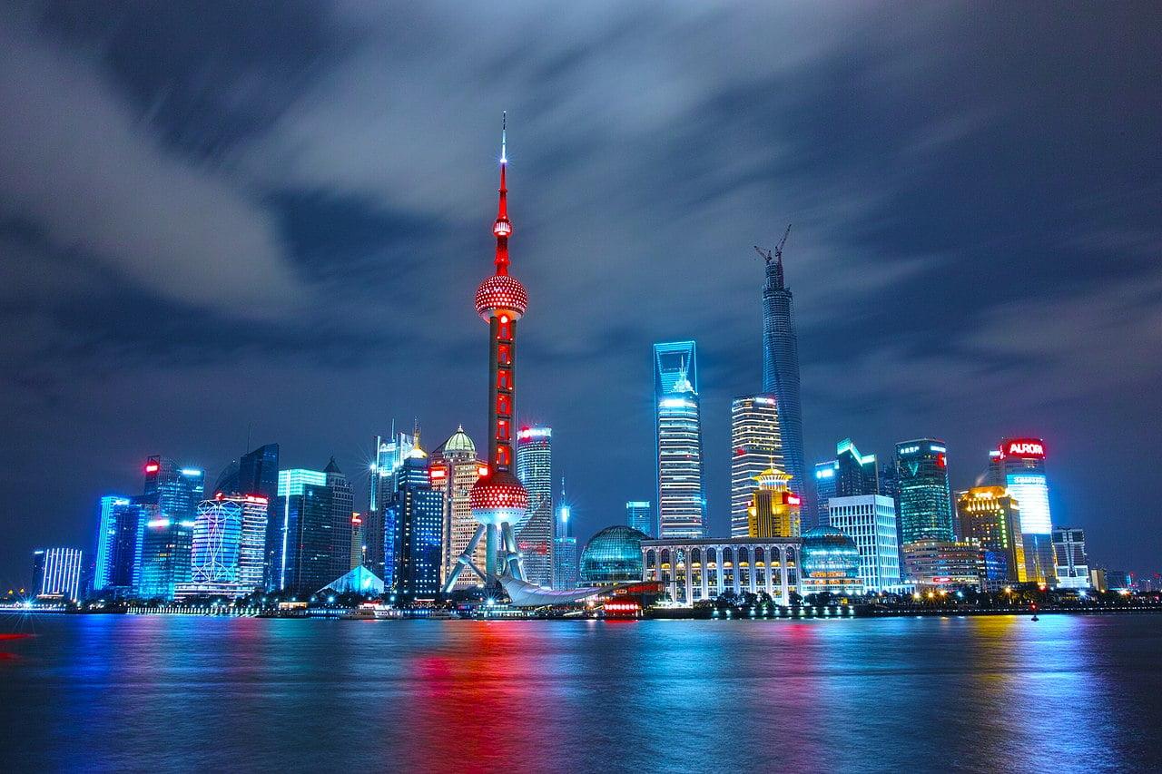 Anthony Bourdain Shanghai - Wai Tan, Shanghai, China - photo by Li Yang ly0ns under CC-Zero