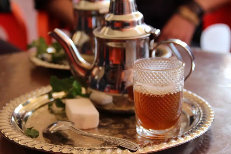 Anthony Bourdain Tangier - Moroccan mint tea - photo by Thibaut Démare under CC BY-SA 2.0