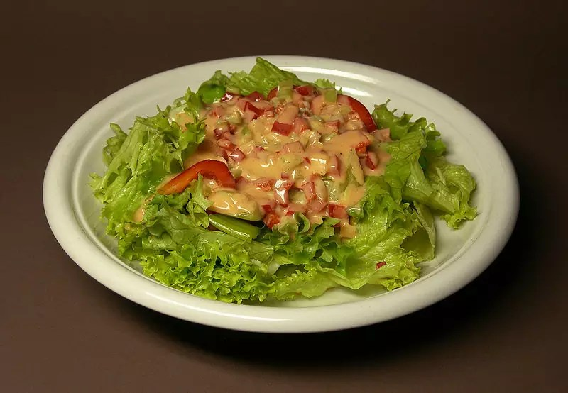 Anthony Bourdain Charleston - Green Salad with Thousand Island Dressing - photo by Rainer Z ... under GFDL and CC-BY-SA-3.0,2.5,2.0,1.0