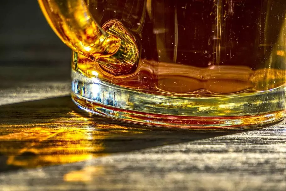 Anthony Bourdain Jamaica - A glass of Steel Bottom - photo from pxfuel.com under CC0 1.0