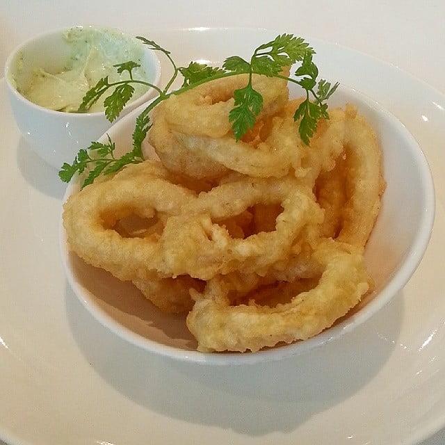 The Layover London - Crispy Calamari - photo by Debbie Tingzon under CC BY 2.0
