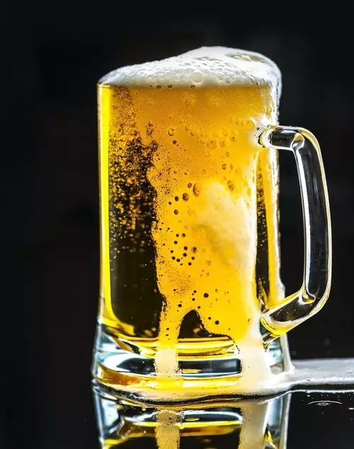 """Draught (also spelled """"draft"""") Beer - photo by rawpixel under Pixabay License"""
