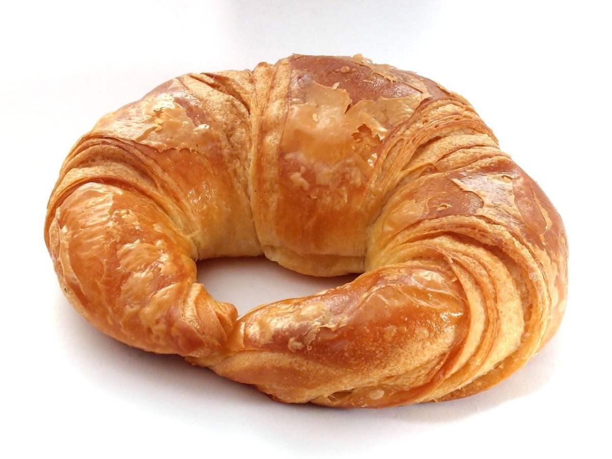 No Reservations Paris - Croissant - photo by SKopp under CC-BY-SA-3.0