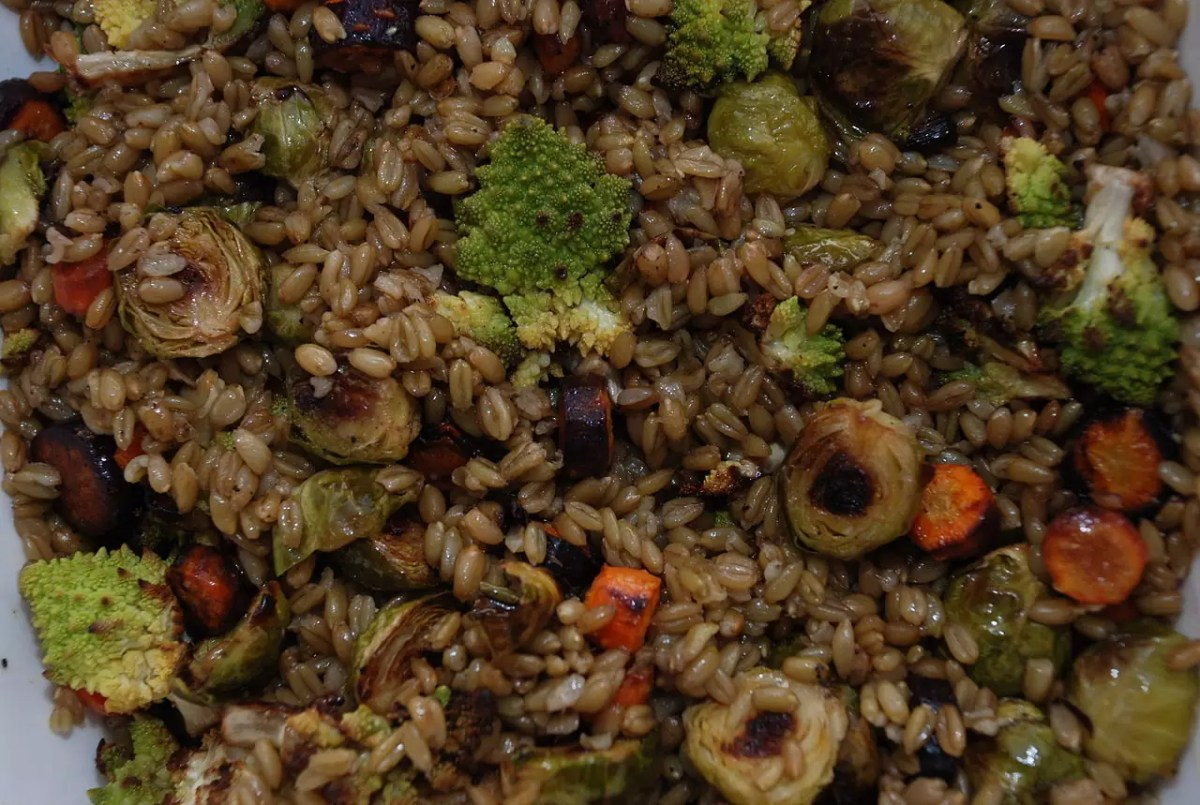 Anthony Bourdain Beirut - Freekeh with roasted vegetables - photo by Kristen Taylor under CC-BY-2.0