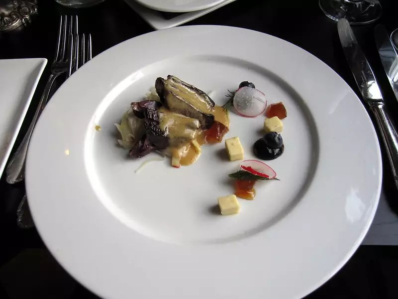 Anthony Bourdain Iceland - lightly smoked puffin, white cabbage, malt & appelsín jelly, blue cheese sauce - photo by (rinse) under CC BY-ND 2.0