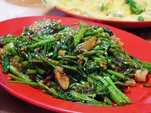 Stir-fried Water Spinach - photo by cegoh under Pixabay License