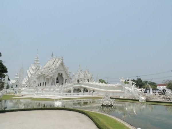 White Temple. O templo budista mais lindo que vimos até agora.