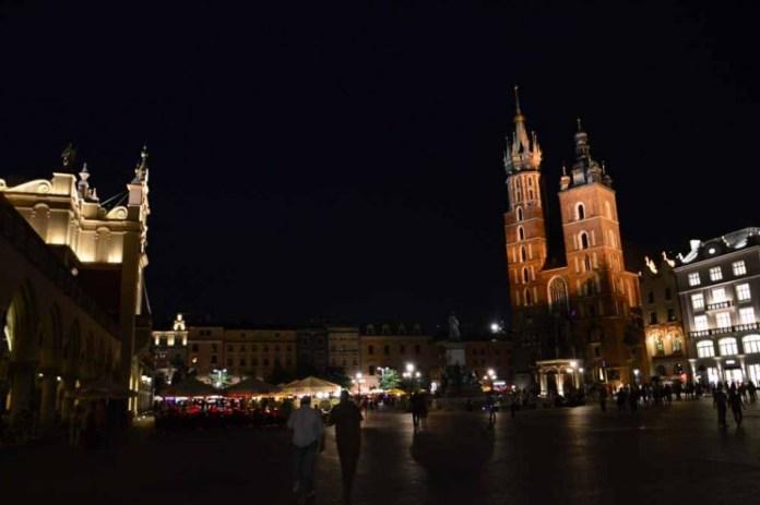 Praça do Mercado à noite