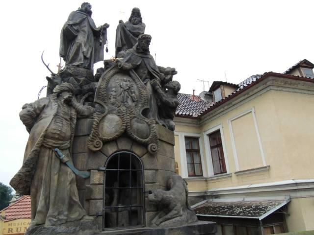 Estátuas na Ponte Carlos - Praga
