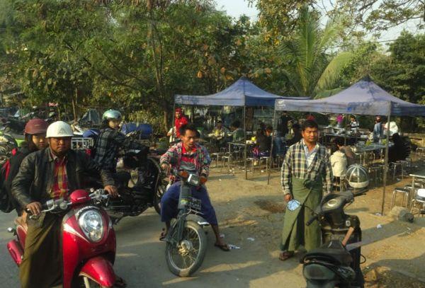 Mototaxis em Mandalay