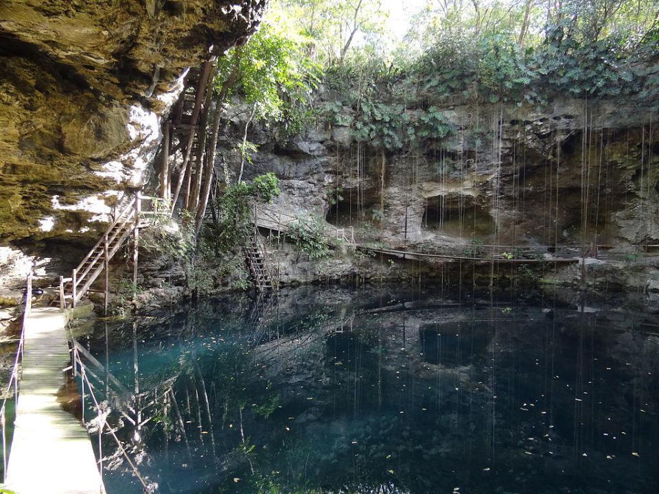 X-Canche Cenote near Ek Balam Archaeological Site, Yucatan, Mexico by Adam Jones, Ph.D. (CC)