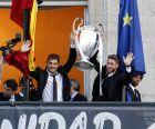 Ίκερ Κασίγιας και Σέρχιο Ράμος με την περίφημη décima, το δέκατο Κύπελλο Πρωταθλητριών της Ρεάλ Μαδρίτης (25/5/2014).