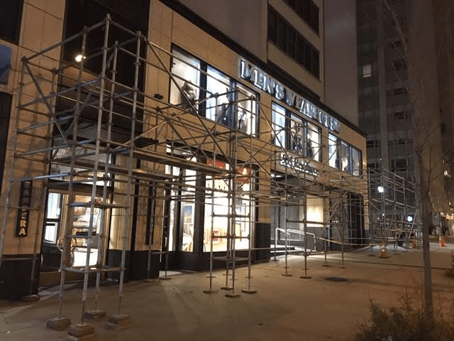 535 N. Michigan scaffold