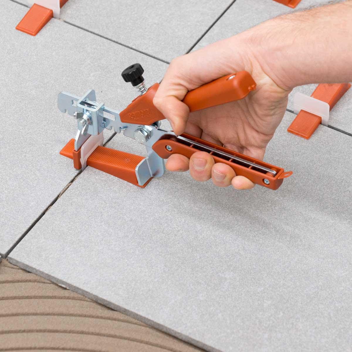 7695 raimondi tile leveling system 1 8 red clip