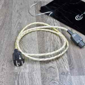 Crystal-Cable-Power-Special-audio-power-cable-1