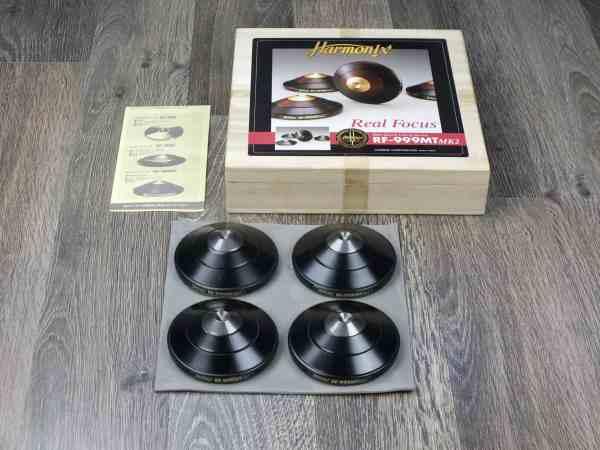 Harmonix RF-999MT MK2 highend audio spike bases 1