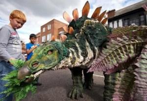 SO Festival - Los Kaos Dinosaur Eating