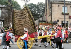 Saddleworth Rushcart 2014 - Saddleworth Morris