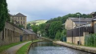 Canal at Slaithwaite - geograph.org.uk - Stanley Walker
