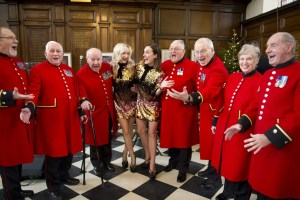 Chelsea Pensioners - Chelsea Choir - Ceremony of the Christmas Cheeses 2017 - Royal Hospital Chelsea