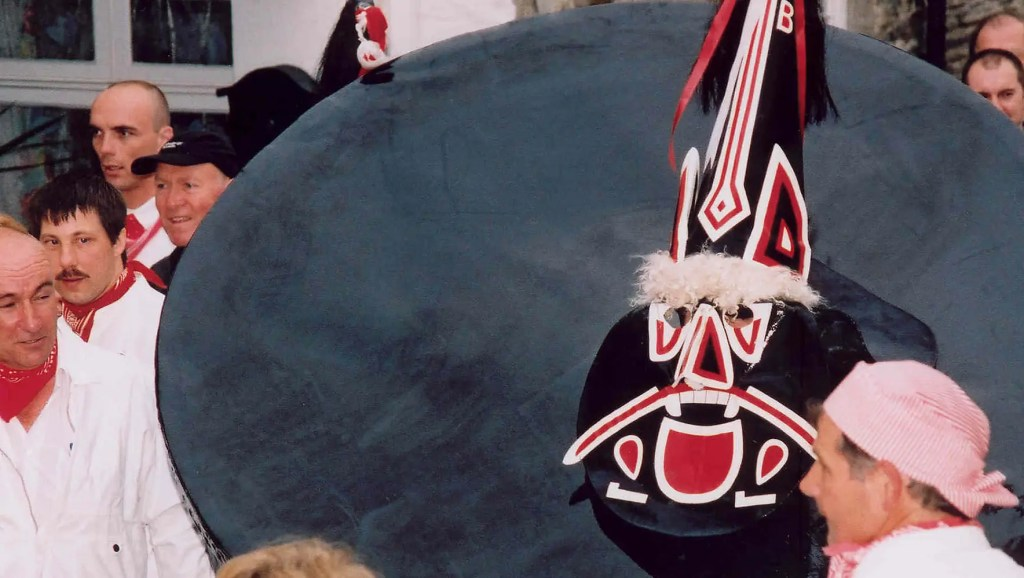 Padstow Obby Oss May Day event - Visit Britain