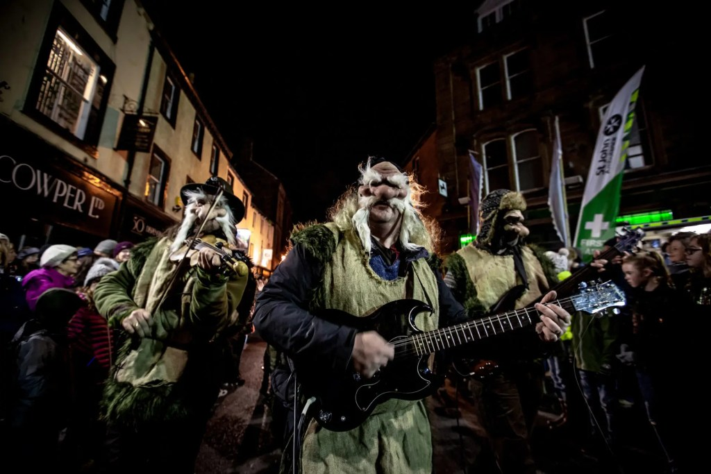 Winter Droving Penrith - Performers join the procession
