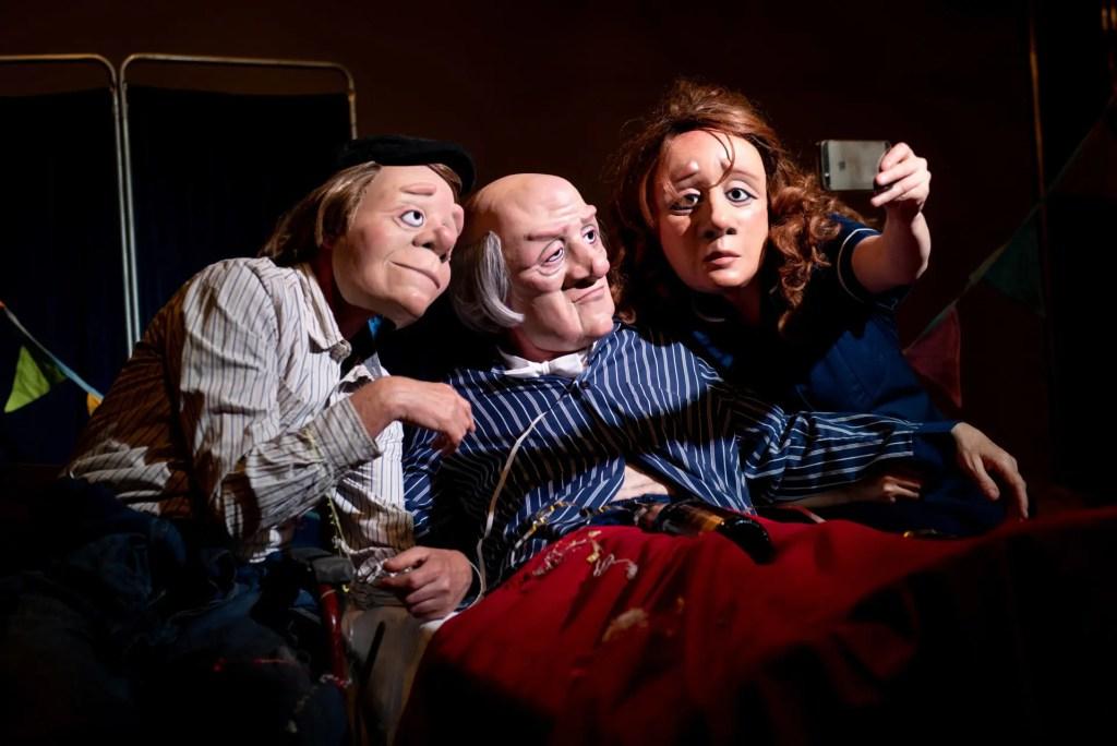 Vamos Theatre - Dead Good2 - selfie © Graeme-Braidwood