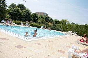 Pressions musulmanes dans une piscine de Châlons-en-Champagne