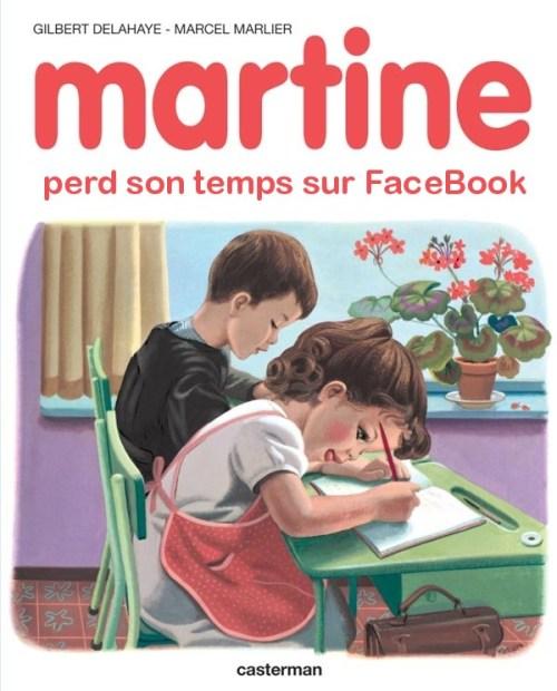 Martine perd son temps sur Facebook