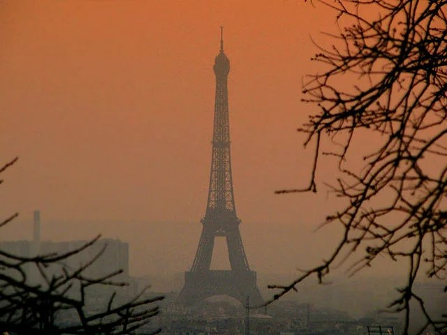 Pollution Paris (Crédits Storm Crypt, licence Creative Commons)