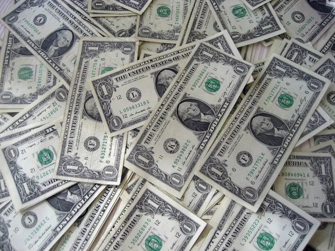 Billets dollar USD (Crédits 401kcalculator.org, licence Creative Commons)