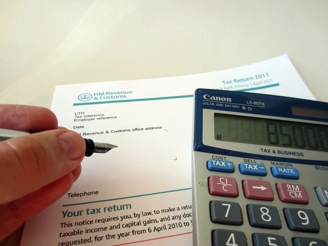 Taxes impots (Crédits 401kcalculator.org, licence Creative Commons)