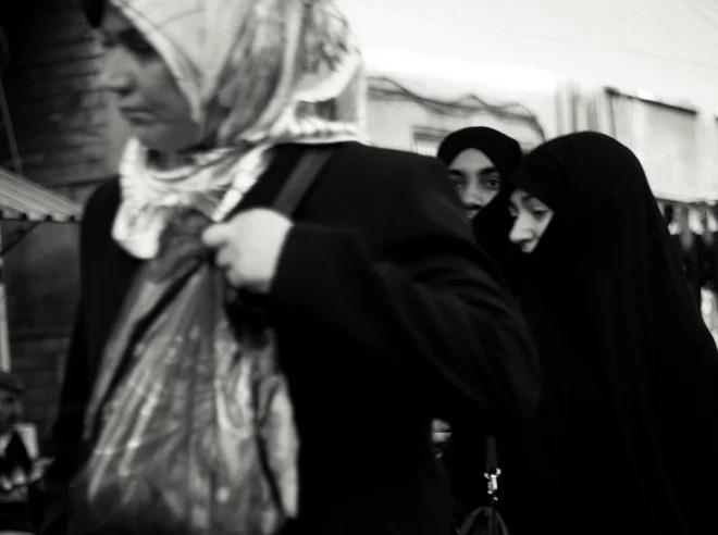 Voile femme Islam (Crédits Julien Lagarde, licence Creative Commons)
