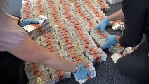 cash argent licence CC crédits West Midlands Police