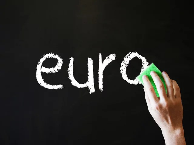 zone euro credits images money (licence creative commons)