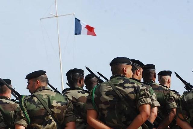 Cérémonie militaire - Credits seneweb (CC BY 2.0)