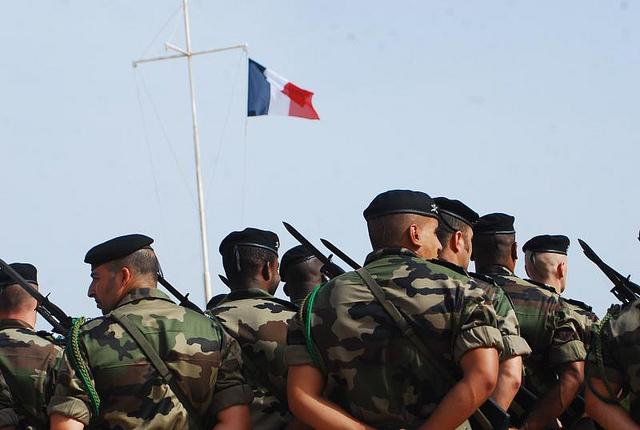 Militaires : flexibilisons leur riposte, ouvrons le port d'arme