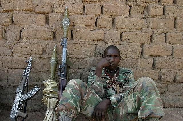 Armed men 08 - Republioque Centraficaine - Credits hdptcar (CC BY-SA 2.0)