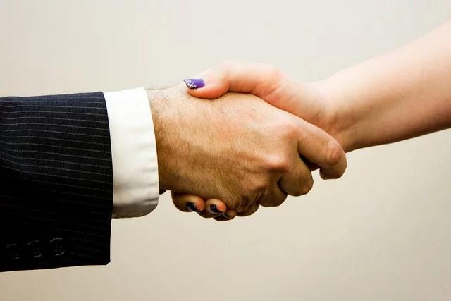 handshake man woman credits Flazingo photos (CC BY-SA 2.0)