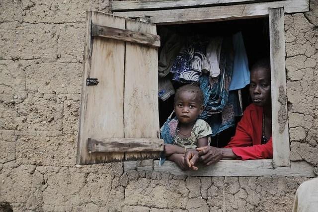 Guinée - Children in the town of Gueckedou, Guinea - Crédits : European Commission DG ECHO via Flickr (CC BY-ND 2.0)