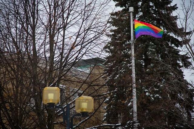 Ville de Victoriaville-drapeau gay (CC BY-ND 2.0)