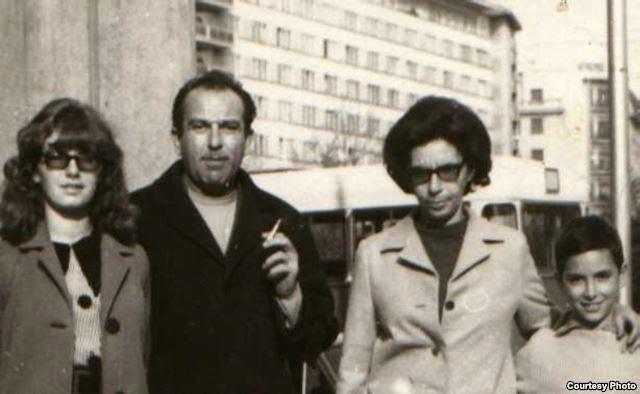 Gheorghe (Babu) Ursu intr-o fotografie de familie (in stanga, fiica sa Olga, in dreapta Andrei)